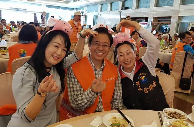 台哥大基金會張善政董事長賢伉儷和劉麗惠副總送愛到花蓮 (5)