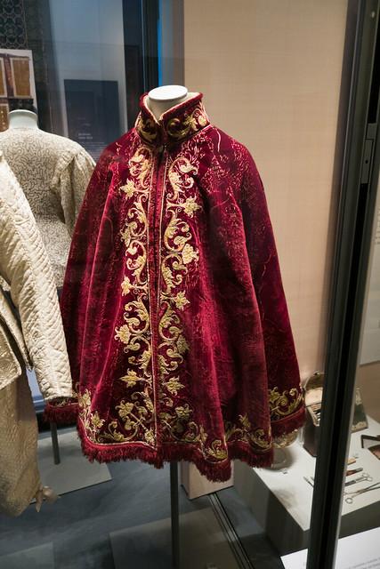 1630 red cloak