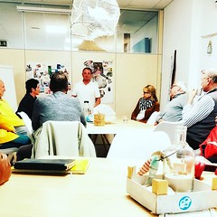 """5 Tipps zum Loslassen - mit Volker @v.hauck beim Abend """"Balance & Gelassenheit"""" im Rayaworx - herzlich willkommen! #relaxandlearn #rayaworx #loslassen #balance #lebensqualität #mallorca #santanyi #coworking"""