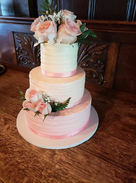 Cake by Cakes She Bakes