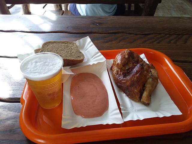 Lviv Çevirme Tavuk ve Bira