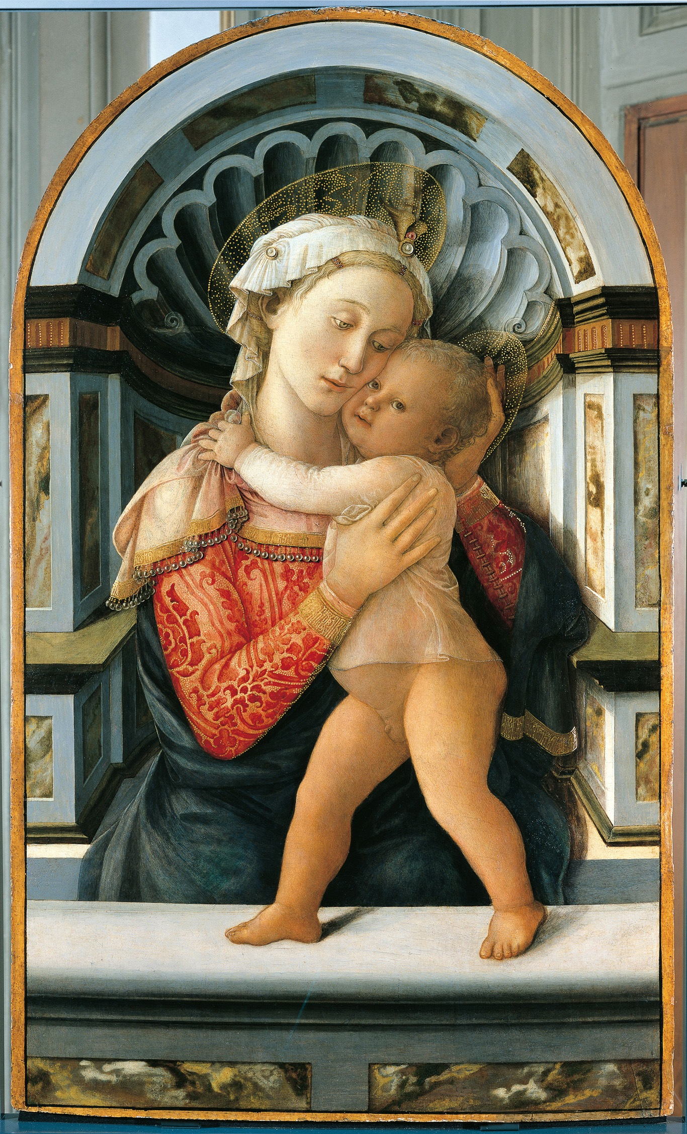 Madonna and Child by Filippo Lippi, tempera on wood, 1466. Currently in the collections of the Museo Poldi Pezzoli, Milan, Italy.
