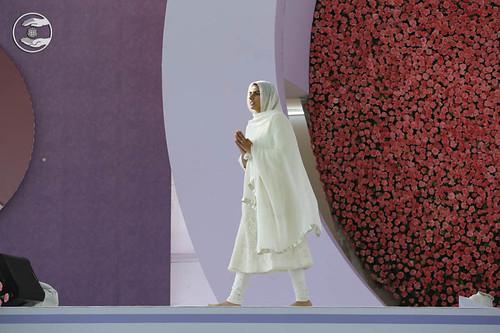 Arrival of Satguru Mata Sudiksha Ji Maharaj on holy dais