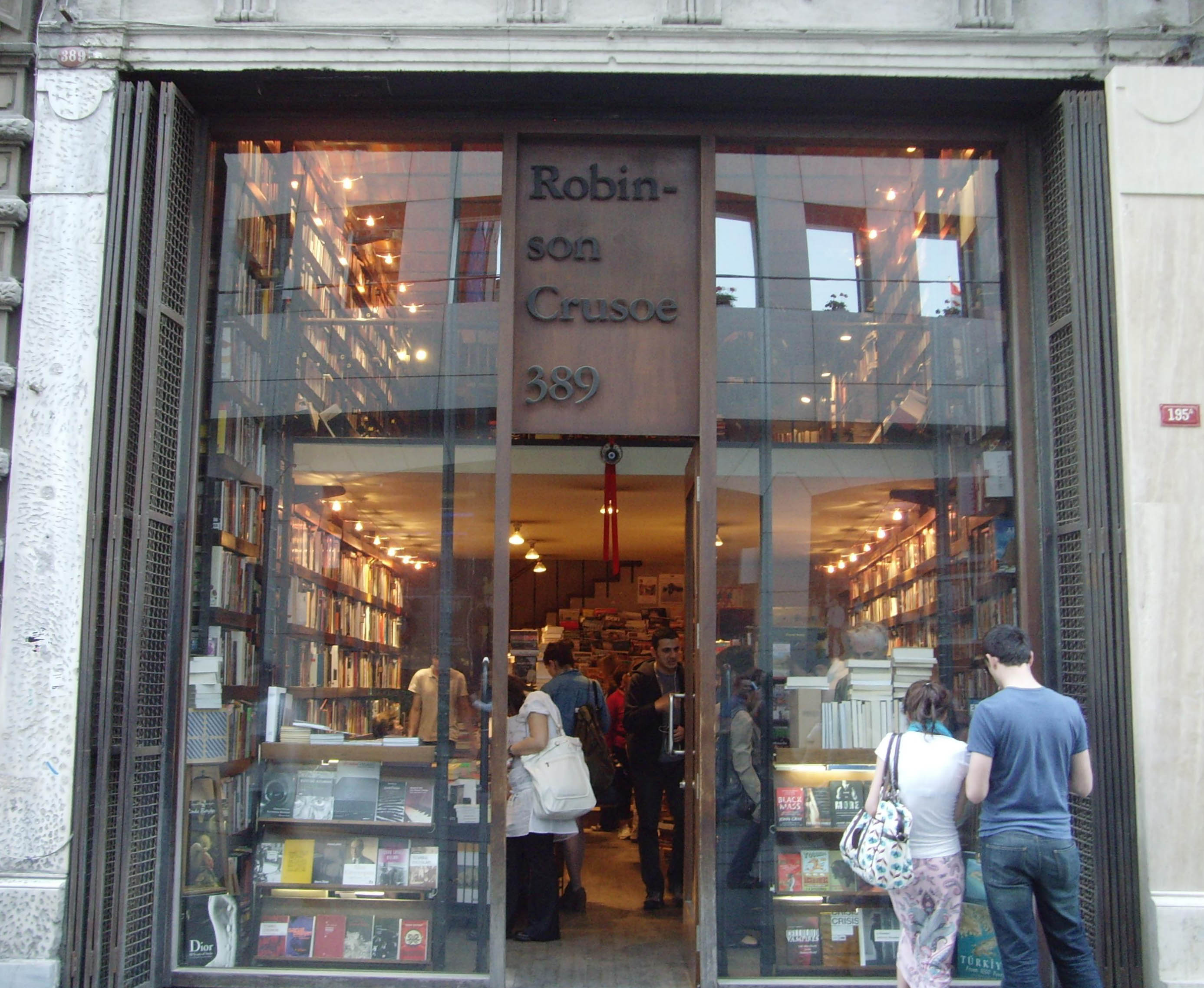Robinson Crusoe Bookstore on İstiklal Avenue, Istanbul, Turkey. Photo by <a href=