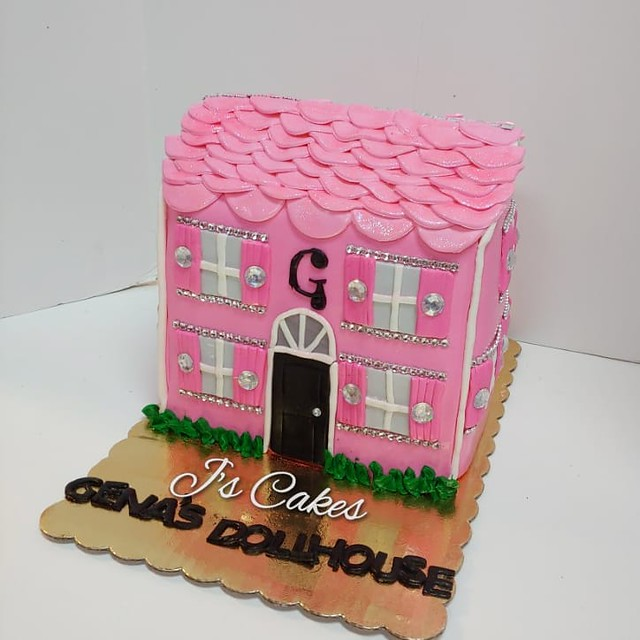 House Shaped Cake by J's Custom Cakes