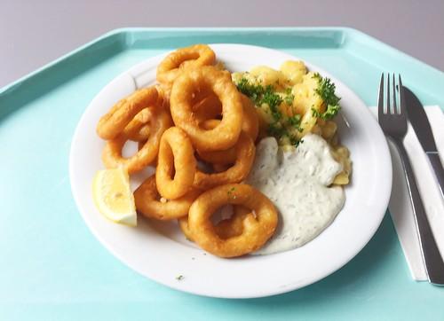 Calamari with remoulade & homemade potato salad / Calamari mit Remoulade & hausgemachten Kartoffelsalat