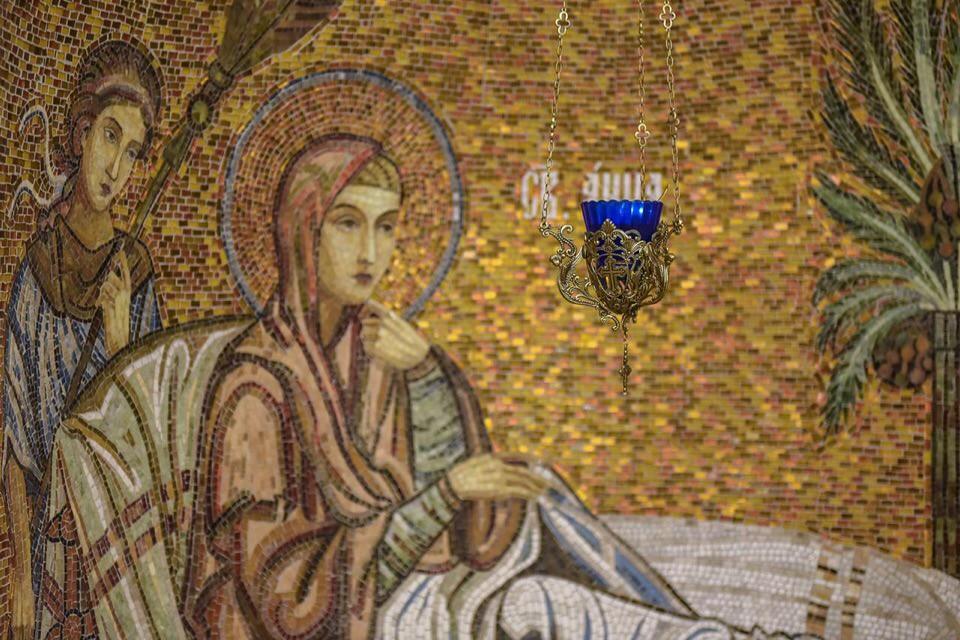 """В канун Недели Торжества Православия епископ Воскресенский Дионисий совершил Всенощное бдение в храме иконы Божией Матери """"Воспитание"""" в Некрасовке"""