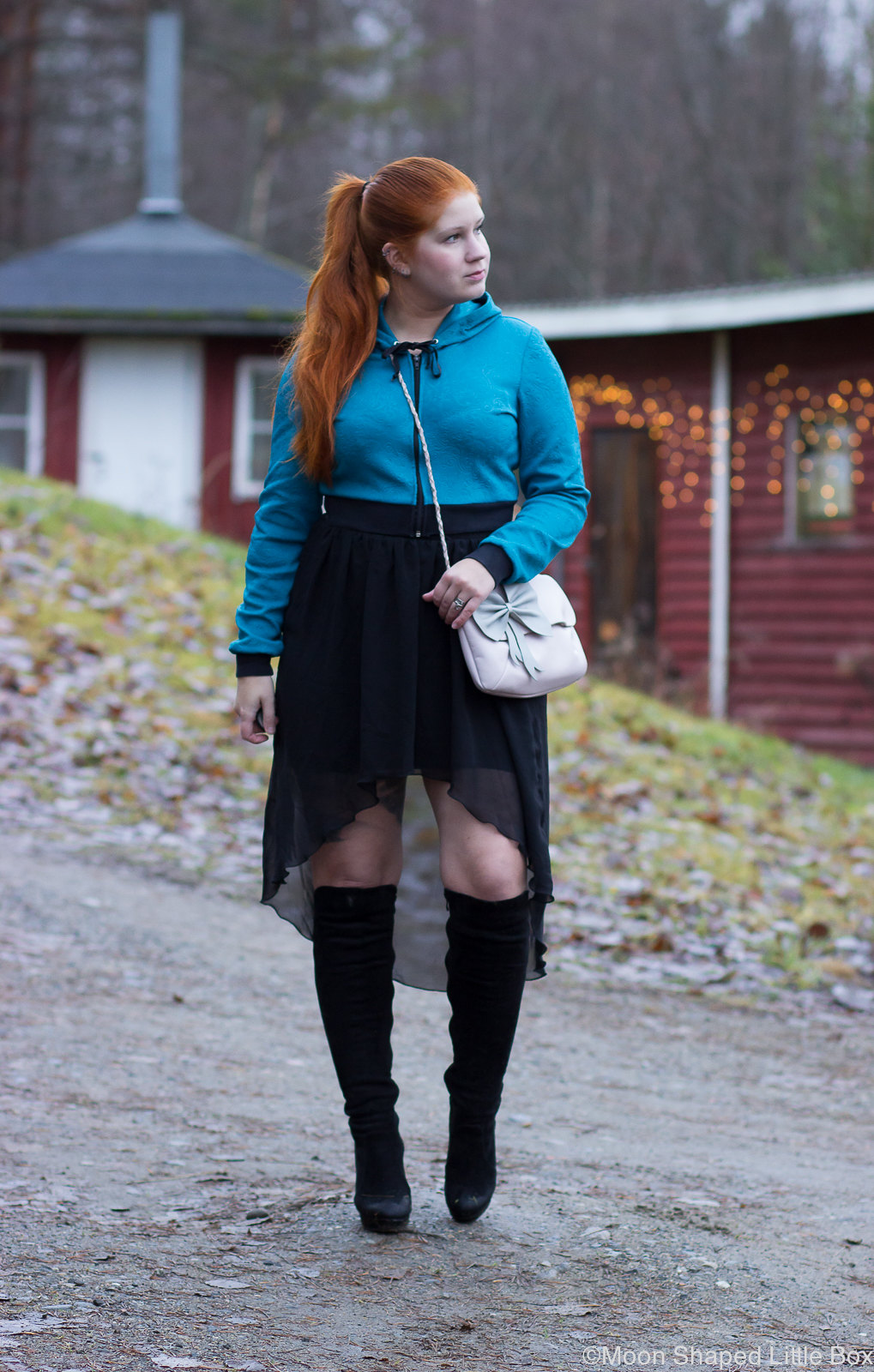 Cropped_Hoodie_petrolblue_Outfit_styleblogger-30