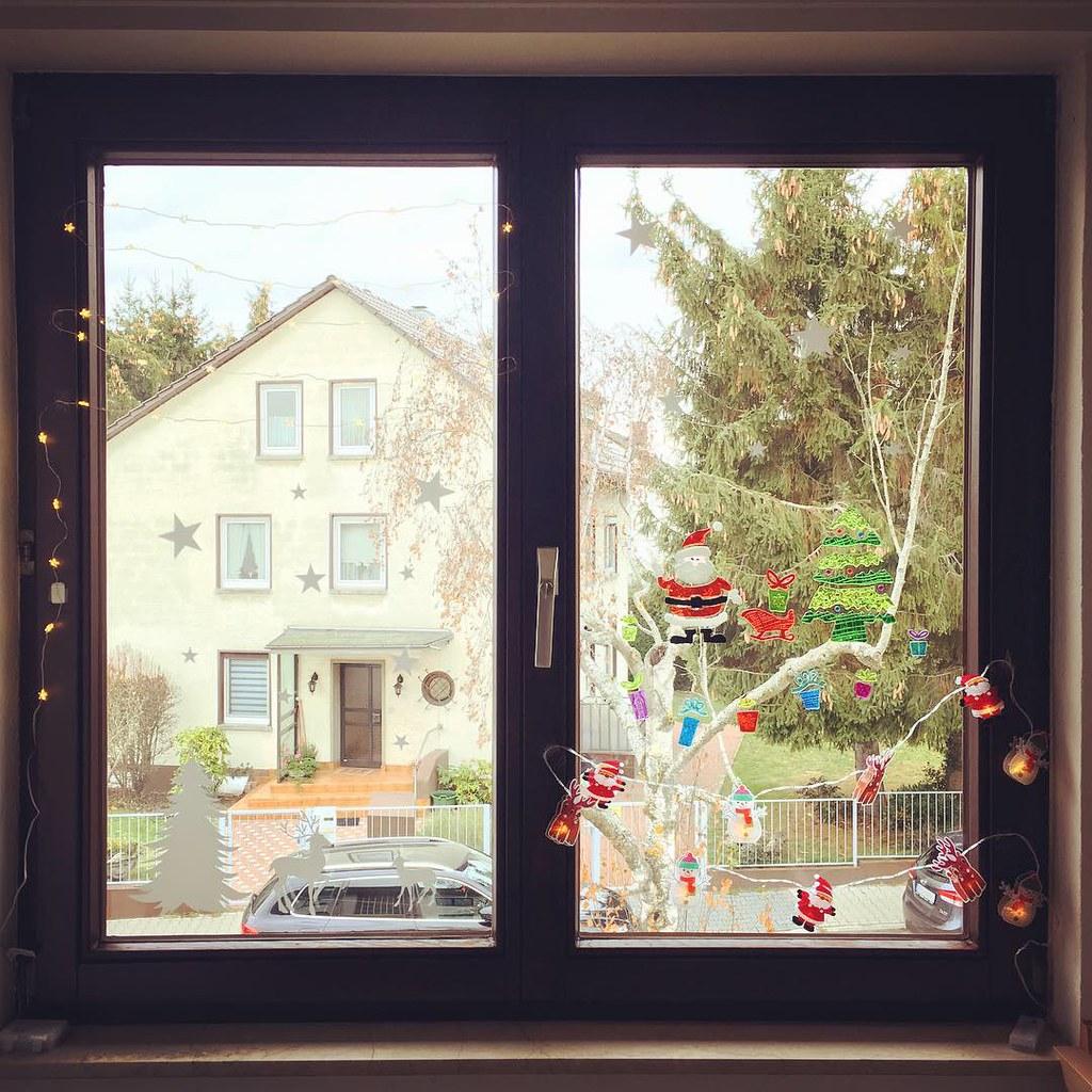 Fensterdeko Weihnachten.Weihnachtsfensterdeko Hängt Xmas Xmastime Holiday Flickr