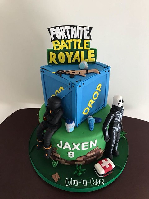 Fortnite Cake by Pilar Ulloa of Color-ur-Cakes