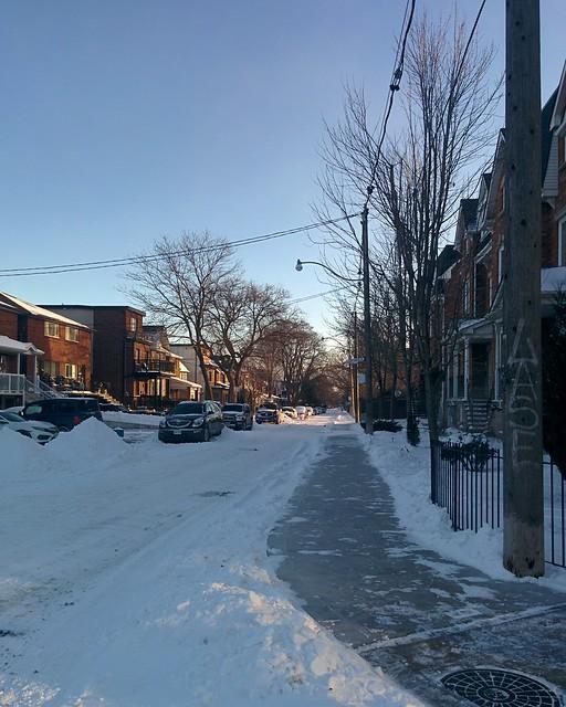 Looking south, Bartlett at Dupont #toronto #dovercourtvillage #winter #dupontstreet #bartlettavenue #white #blue