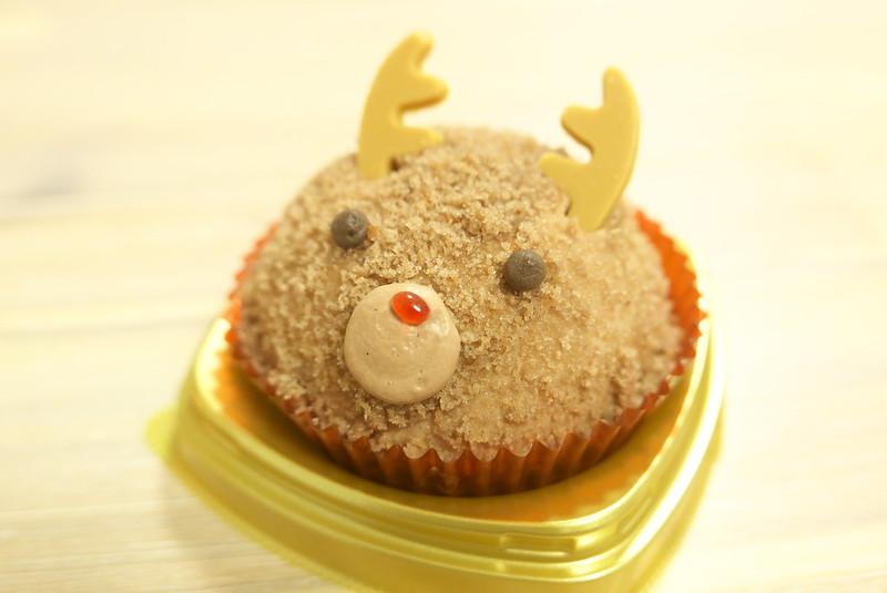 セブンイレブン トナカイケーキ チョコクリーム&クッキー