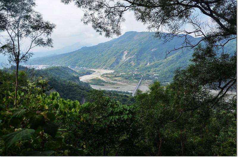 羌埔山俯瞰西南方甲仙地區 1