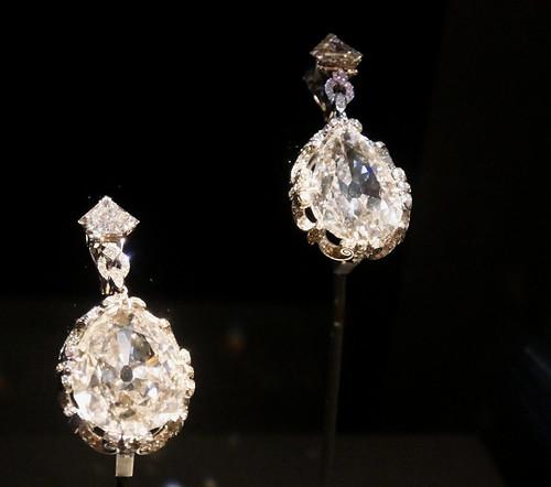 Marie Antoinette earrings - National Museum of Natural History, Washington DC - Explore!
