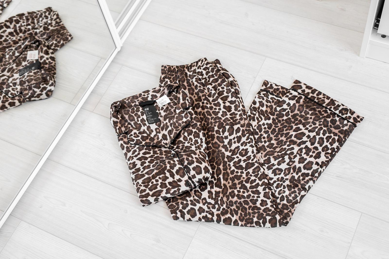 leopardi yöasu