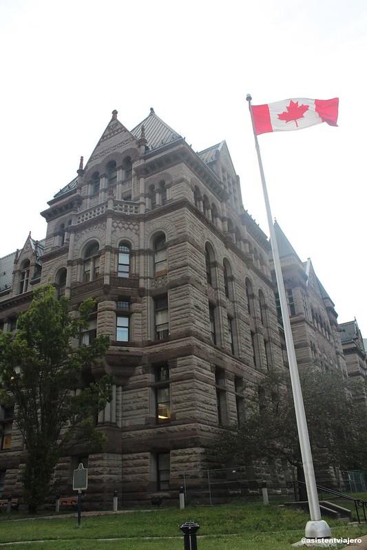 Toronto City Hall (6)