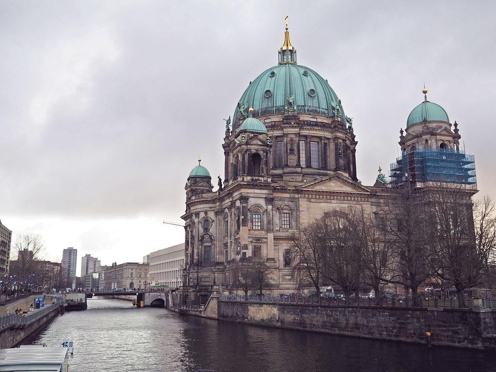 berliner dom berlini saksa