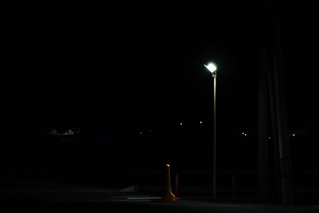 コンビニ前ライト