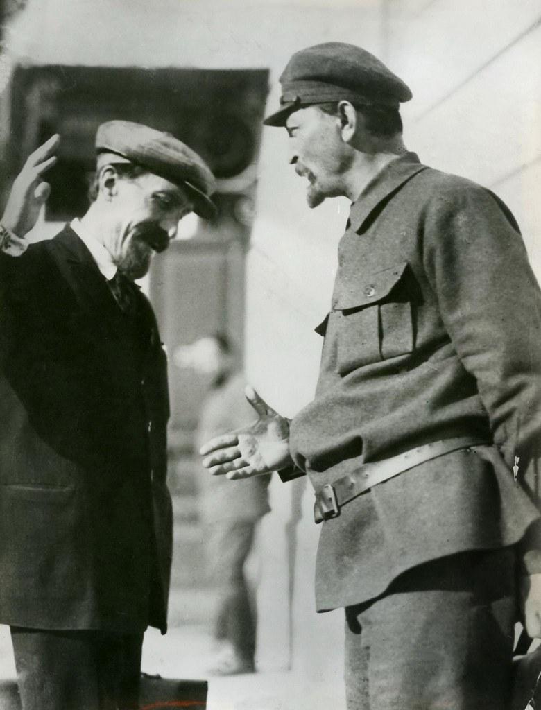 1923. Феликс Эдмундович Дзержинский с Алексеем Ивановичем Рыковым