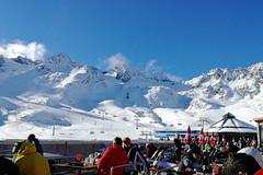 Aktuálně: příval sněhu otevírá česká i alpská střediska