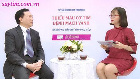 PGs. Ts Nguyễn Văn Quýnh cùng Mc trong buổi tư vấn về bệnh mạch vành - thiếu máu cơ tim