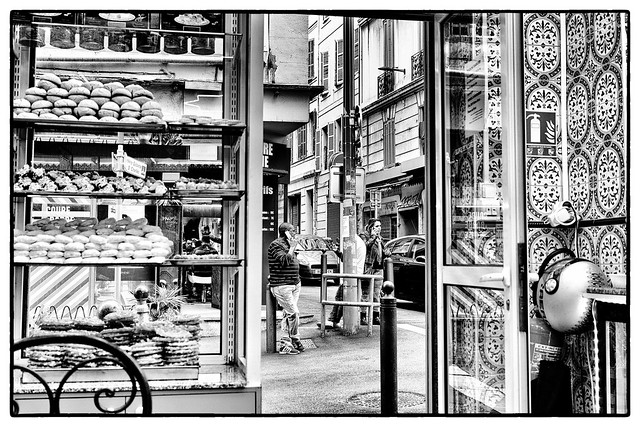 Rue d'Aubagne, Sony ILCE-7M2, Sony FE 35mm F2.8 ZA