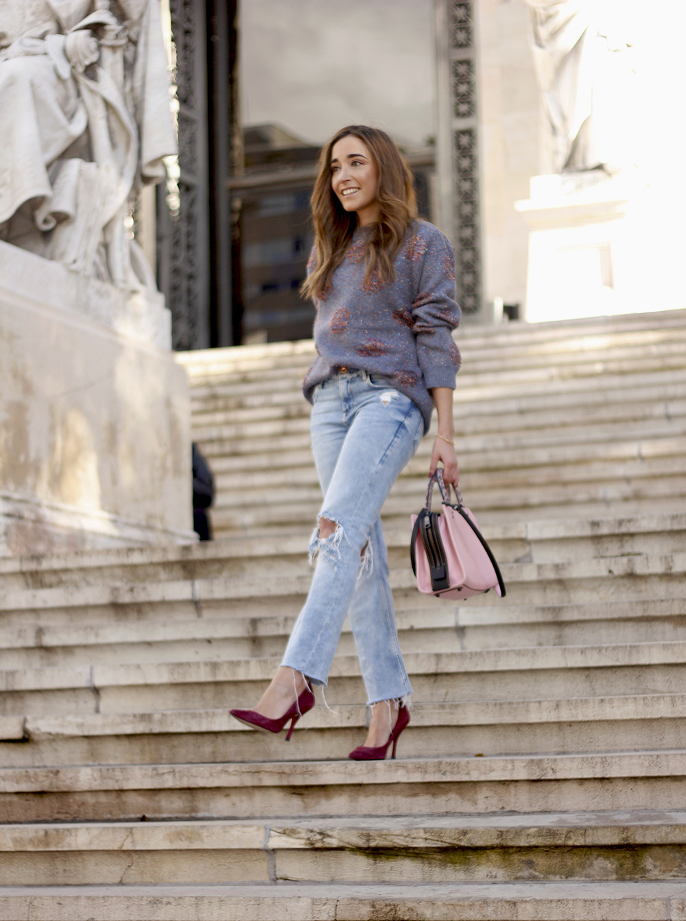 GRAY CHRISTMAS JERSEY ripped jeans pink coaach bag burgundy heels street style fall outfit 20186942