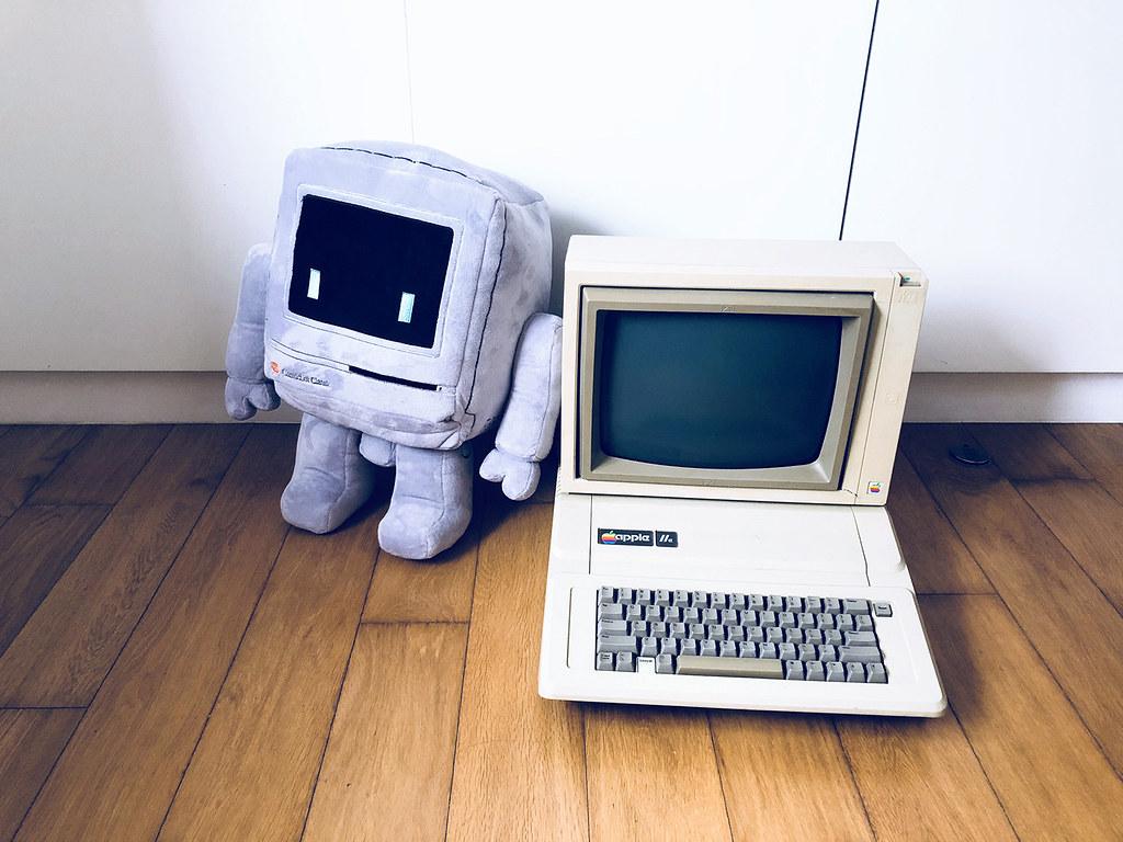 Classicbot【iBot G3、Classicbot Classic 布公仔】經典電腦化身為療癒機器人~【TOYSOUL 2018開放預訂】