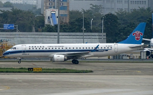 China Southern Airlines Embraer EMB-190 B-3209