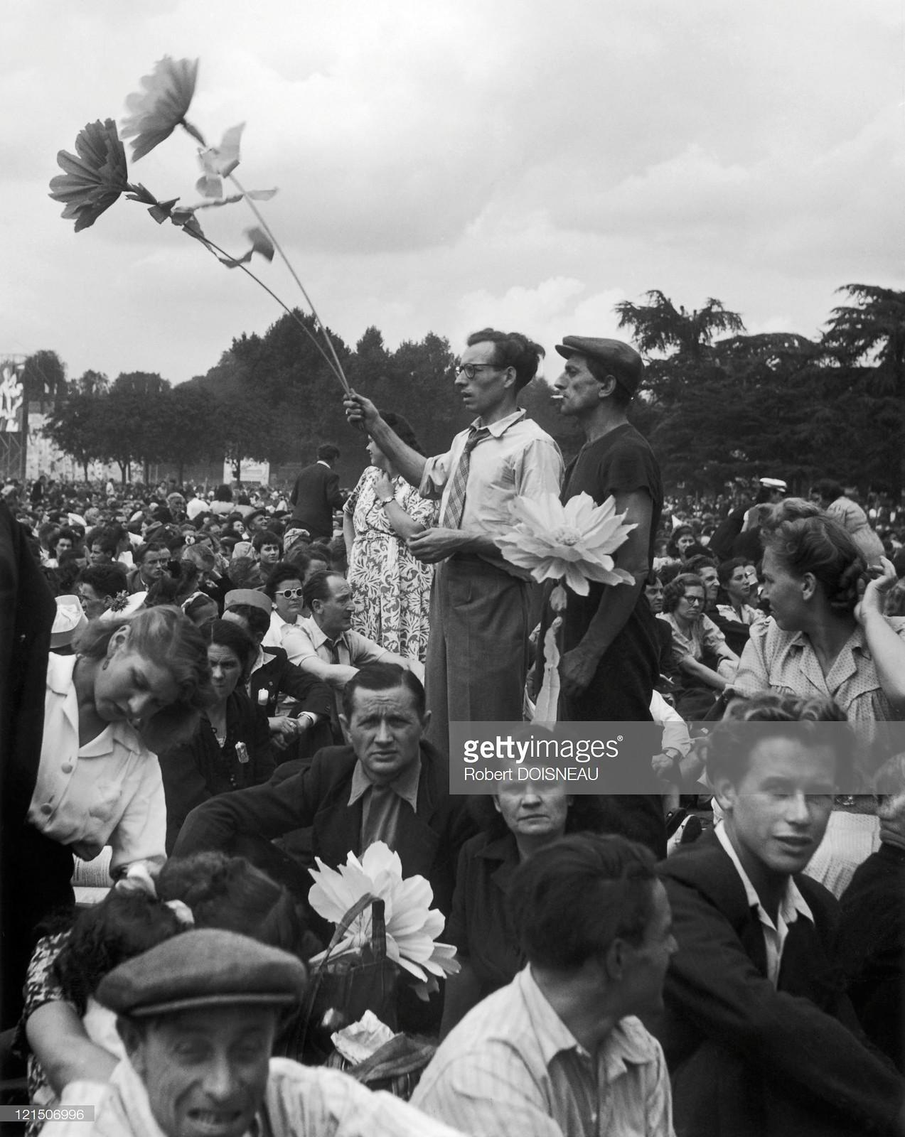 1945. На празднике «Юманите»