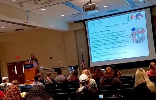 Participación de la Cónsul de México en Omaha en la Conferencia sobre Política Exterior organizada por la Universidad de Nebraska en Kearney 2
