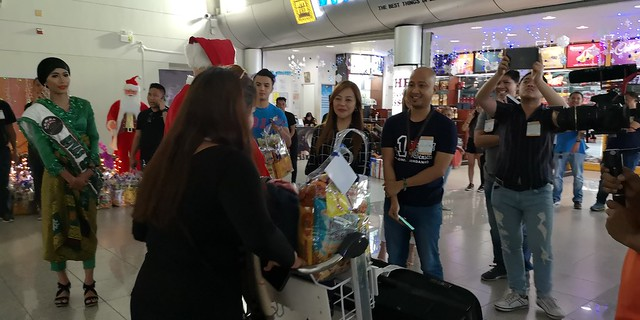 Globe Christmas Surprise Salubong of BalikBayans at the Francisco Bangoy International Airport IMG_20181218_165409_2