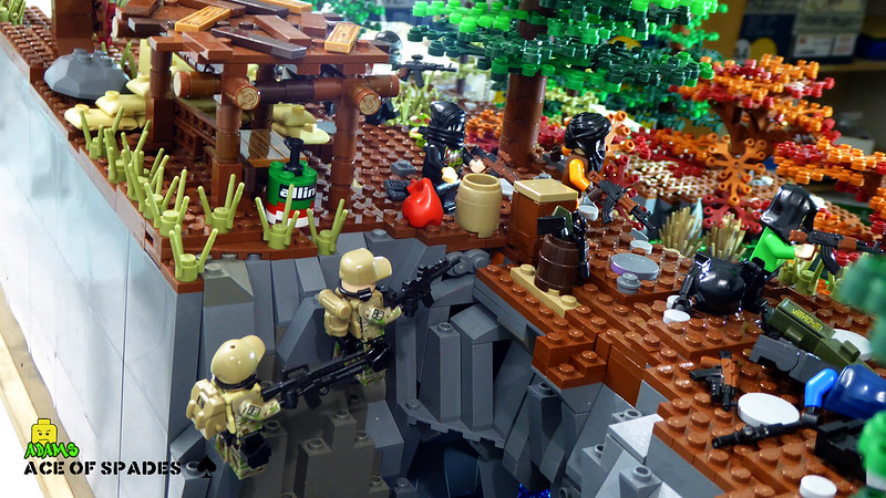 [Great Brick War] - The Ace Of Spades 45348187804_8a9edbe7e4_c