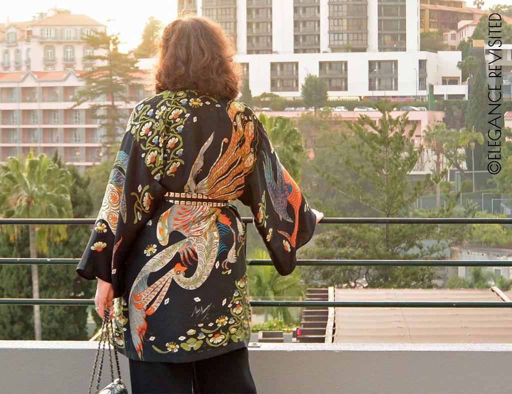 edgy kimono 1300 x 1000
