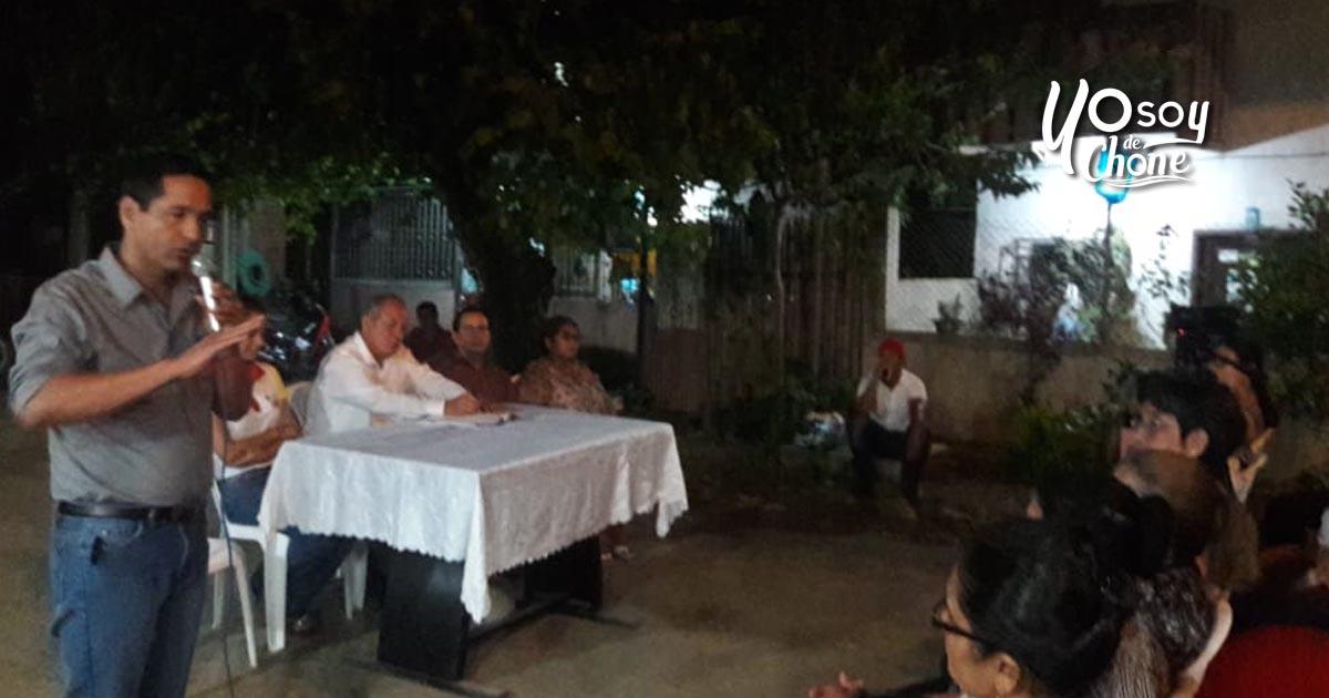 Habitantes de calle Emilio Hidalgo se reúnen con autoridades