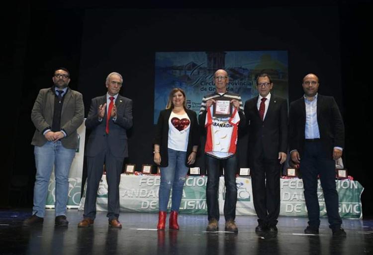 Rafa Jiménez premiado en la Gala del Ciclismo en Granada