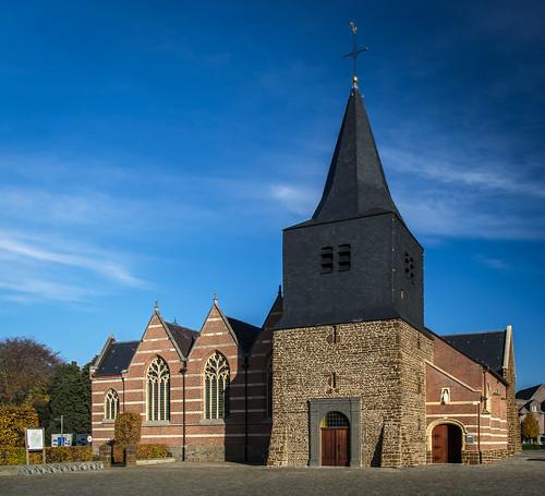 Oostham, Onze-Lieve-Vrouw-Geboortekerk.