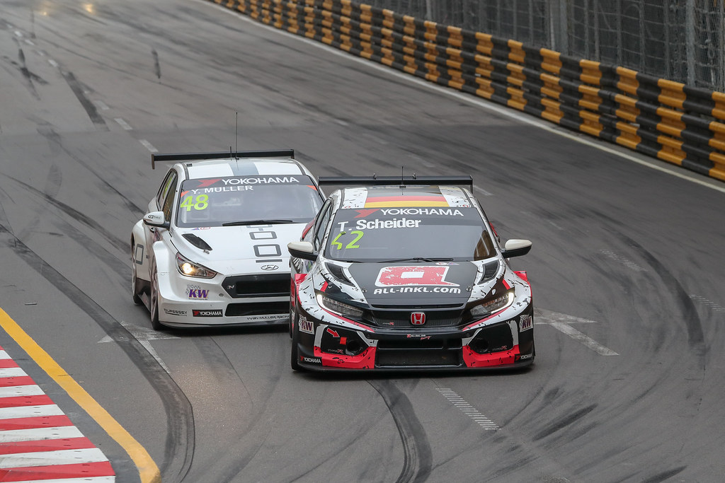 48 MULLER Yvan, (fra), Hyundai i30 N TCR team Yvan Muller Racing, action, 42 SCHEIDER Timo (aut), Honda Civic TCR team ALL-INKL.COM Munnich Motorsport, action during the 2018 FIA WTCR World Touring Car cup of Macau, Circuito da Guia, from november  15 to 18 - Photo Alexandre Guillaumot / DPPI