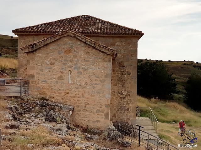 Te vamos a enseñar la ermita de San Baudelio (10)