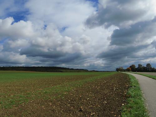 20171006 09 396 ostbay Wolken Herbst Feld Wald Bäume Weg