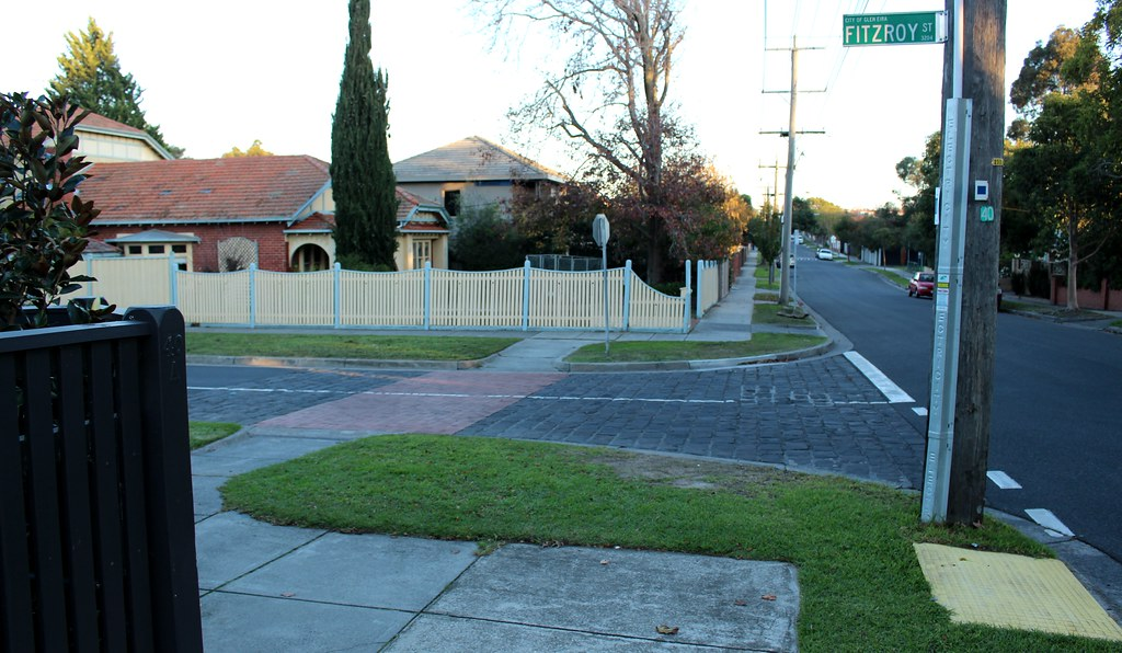 Desire lines in Bentleigh