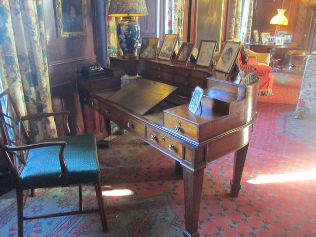 Fyvie Castle Desk