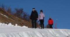 Zimní horská stezka ve Scuol na Motta Naluns