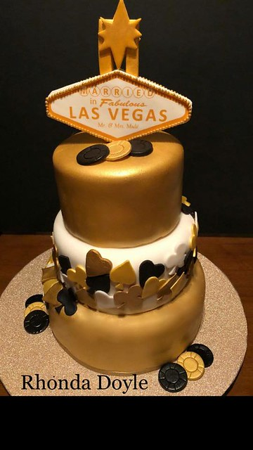 Las Vegas Wedding Cake by Rhonda Doyle