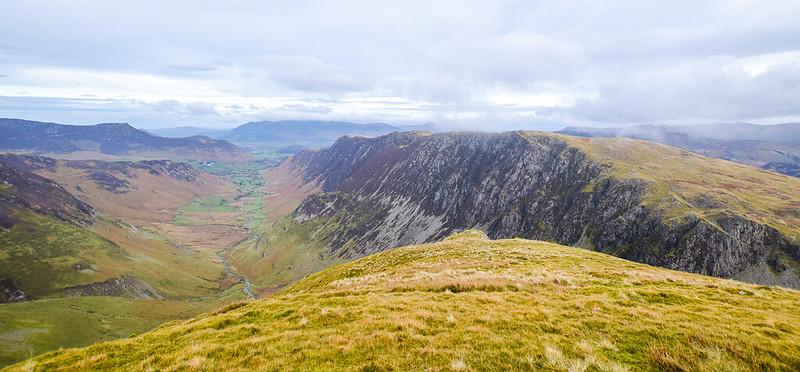 Borrowdale Walks - views of Catbells, Maiden Moor and High Spy Fells