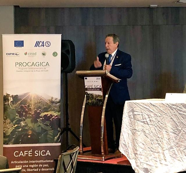 """SG SICA, Vinicio Cerezo participa en taller técnico """"Café SICA - desarrollo intersectorial sostenible"""""""