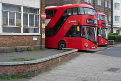 Arriva London LT723 & LT725