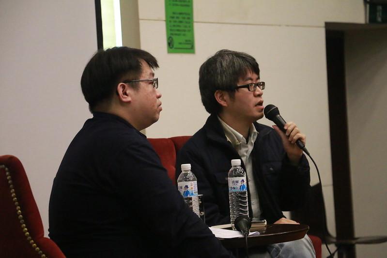 臺文系助理教授陳允元(左)與資深影評人陳平浩(右)擔任講者。圖/師大