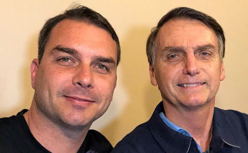 Coaf detecta movimentação atípica em conta de ex-assessor de Flávio Bolsonaro, Flávio Bolsonaro