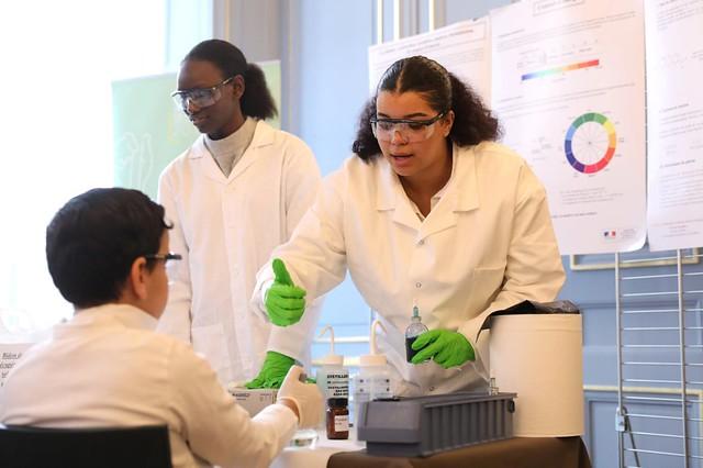 Un laboratoire de chimie éphémère au ministère